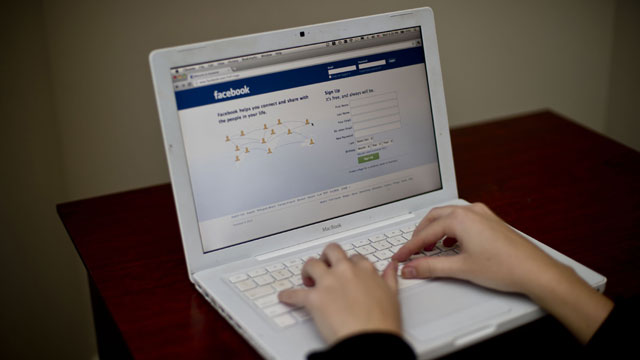 Facebook-on-laptop-jpg