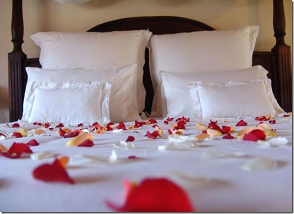 Honeymoon-Bedroom-Ideas
