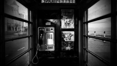 night-old-phone-booth-up-net-102635